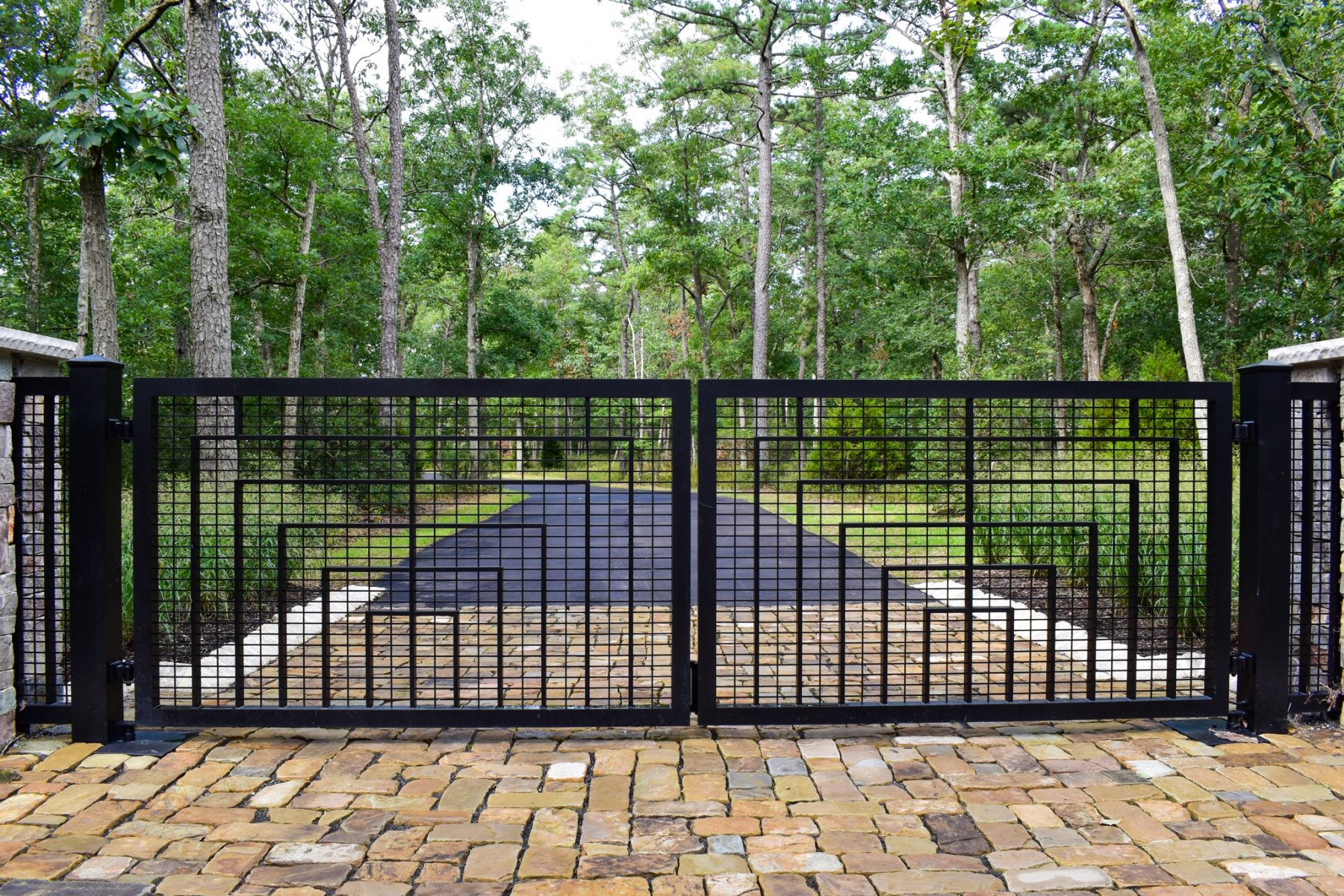 Modern-Estate-Gate-4
