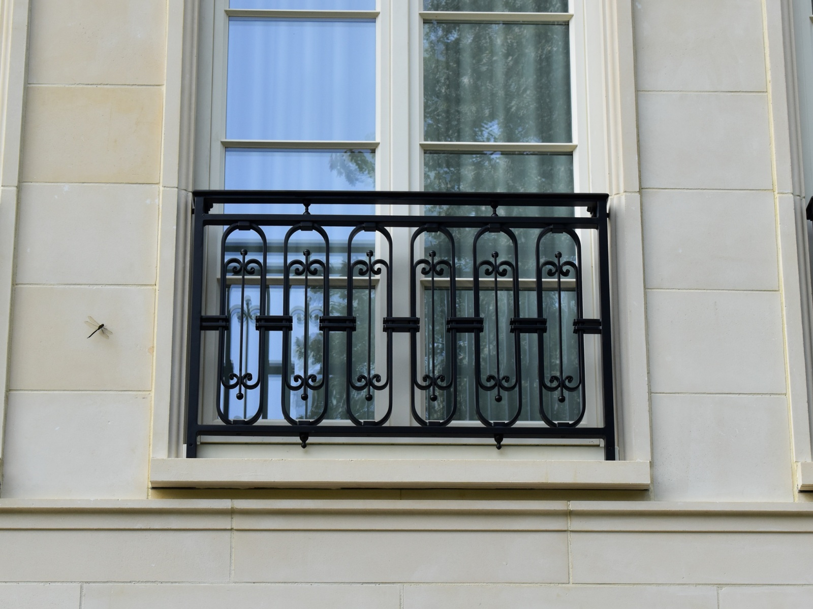French-Balconies-2