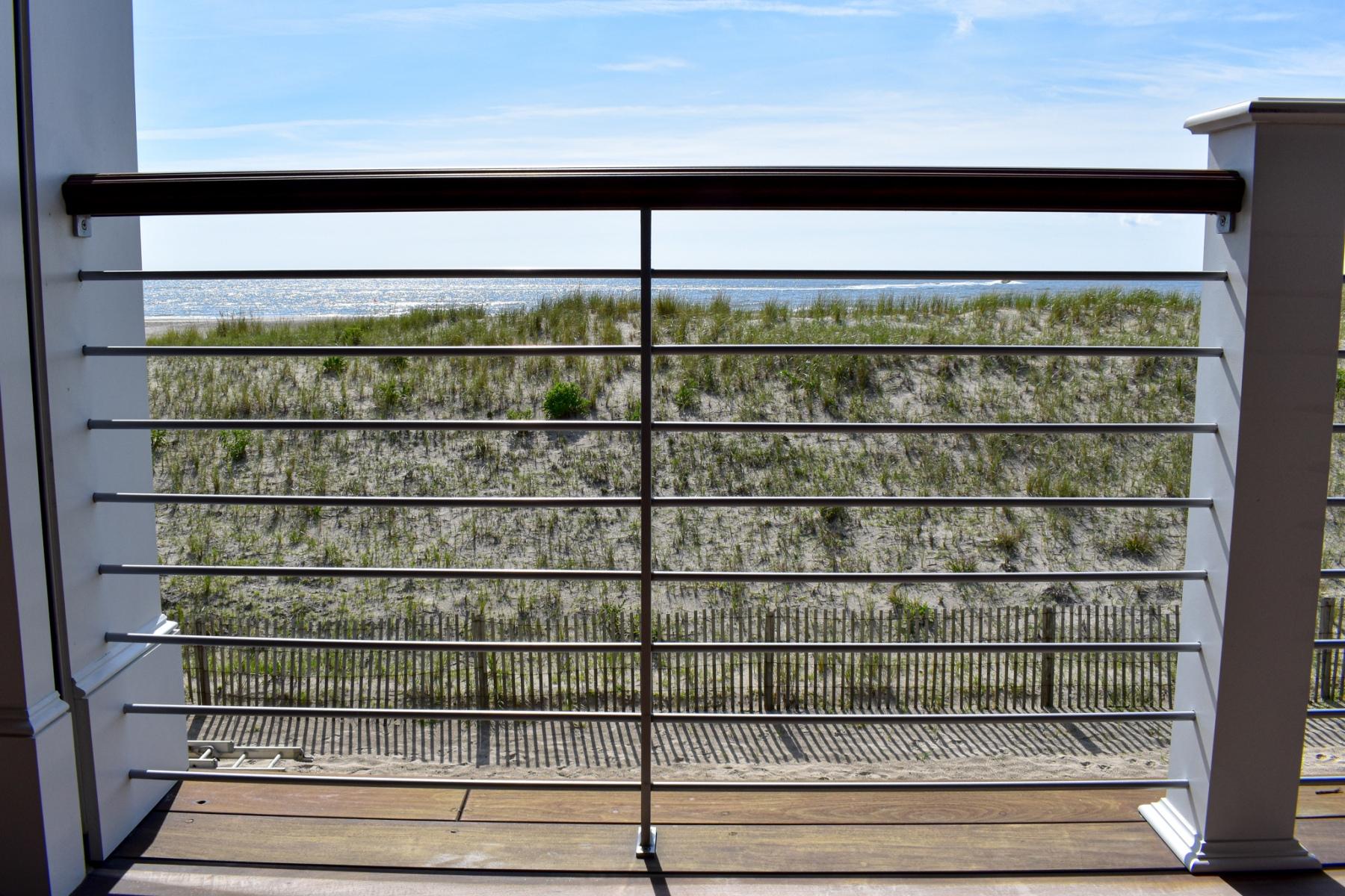 Beach-Front-Modern-Rail-1