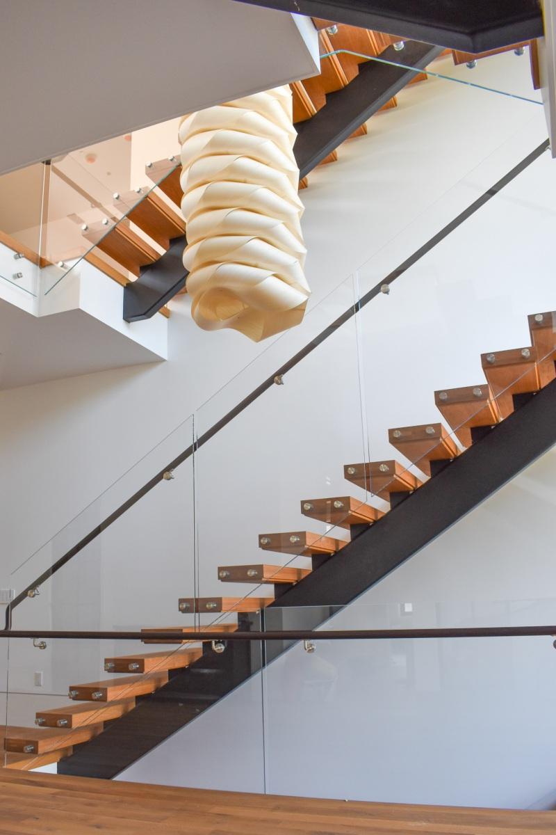 Modern-Mono-Stringer-Steel-Staircase-1