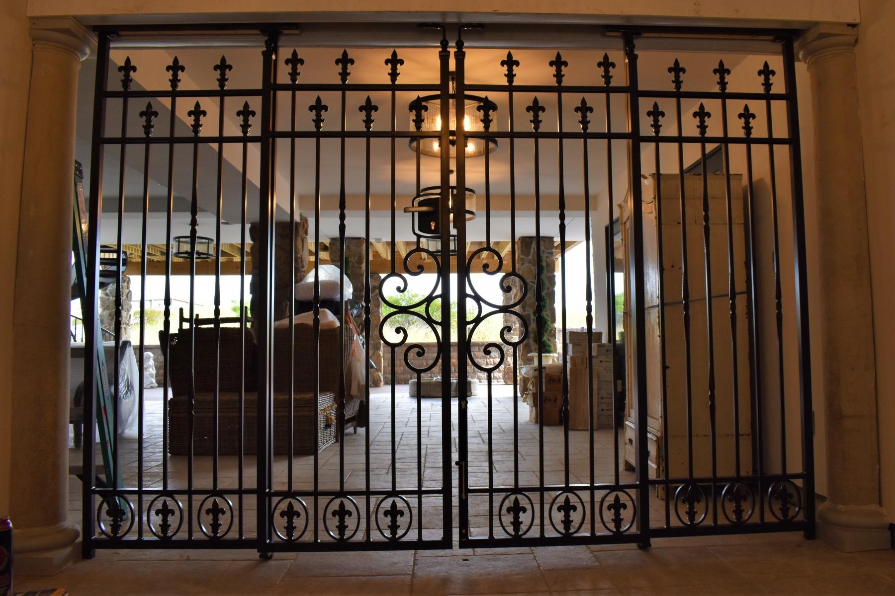 Tuscan-Ornamental-Gate-5