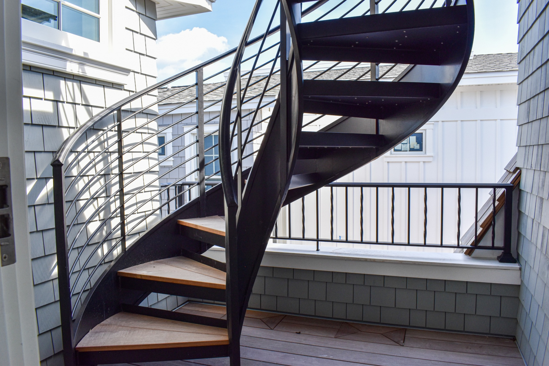 waterfront-staircase