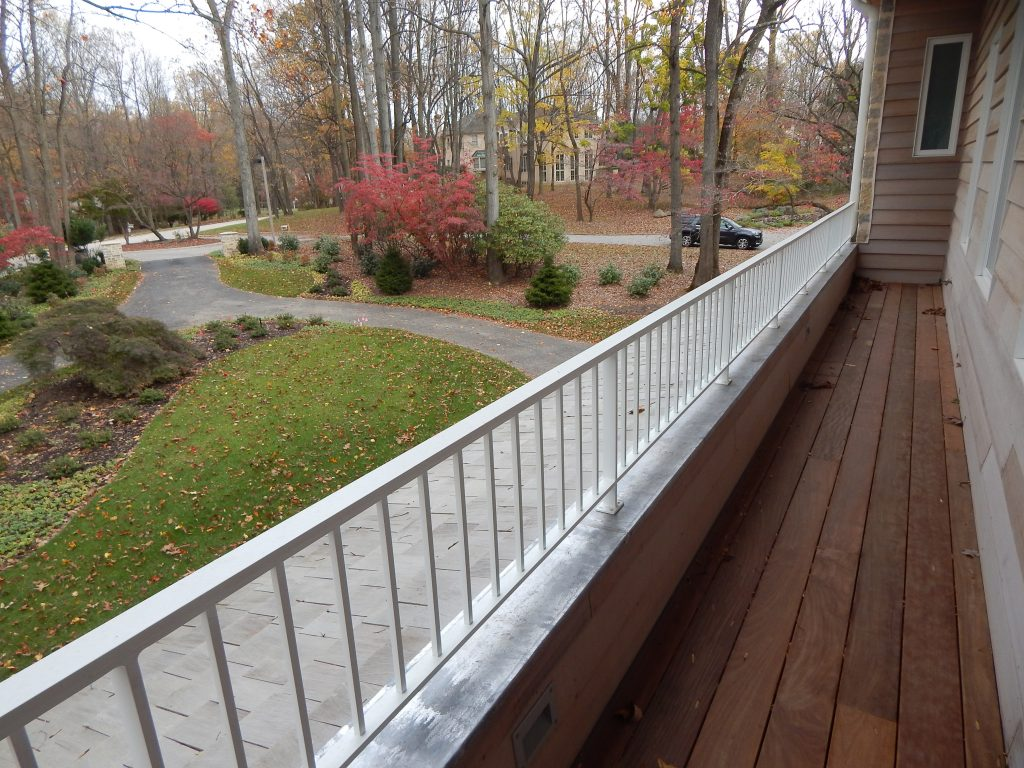 Contemporary terrace railing