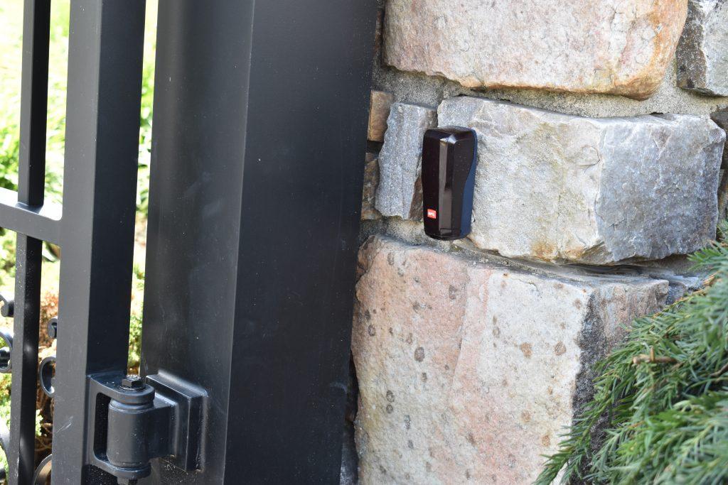 Sensor for gate