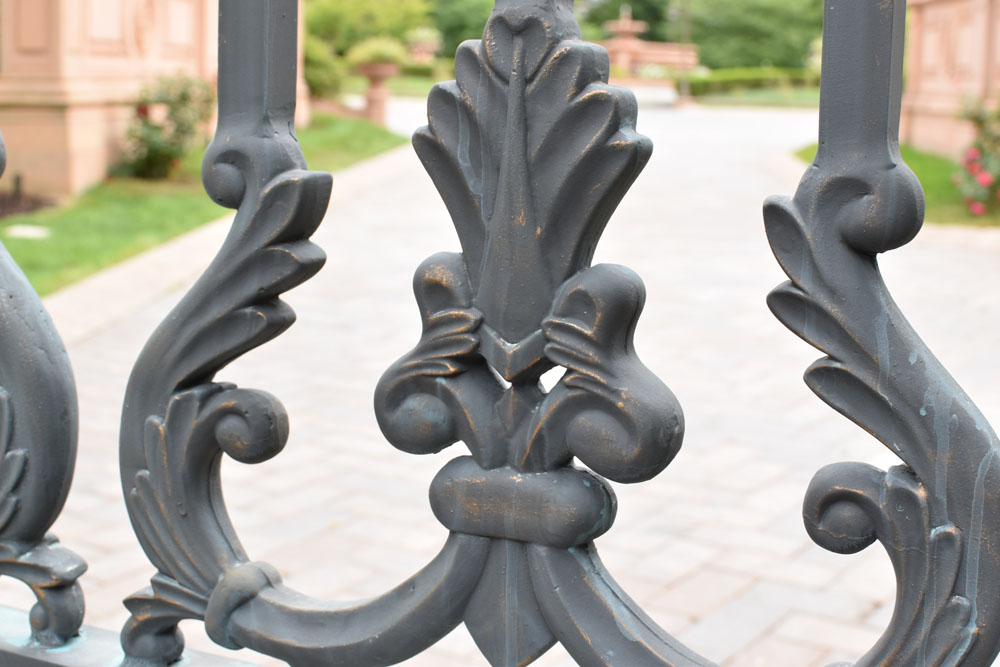 Gold Detail on Gate Pickets