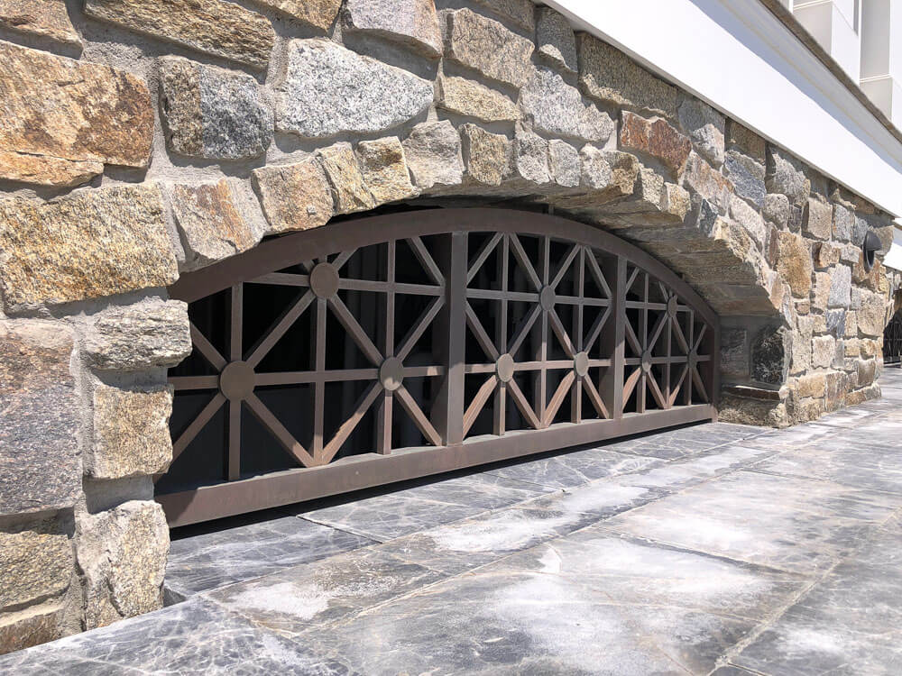 Living Finish Bronze Geometric Grill