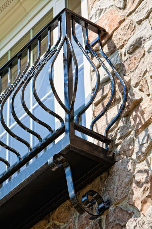 Detailed Belly Balcony Picket Railing