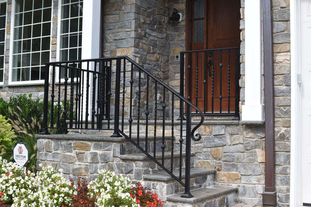 Twist and Knuckle Railing Design