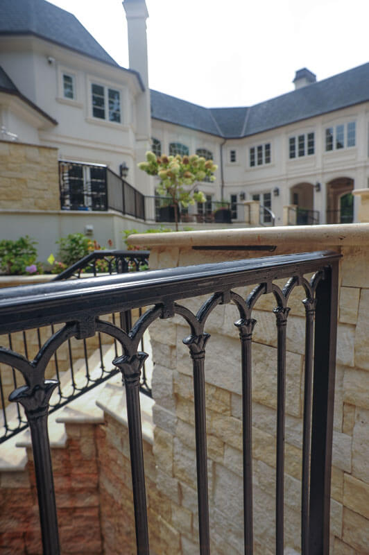 Railing with Oval Design