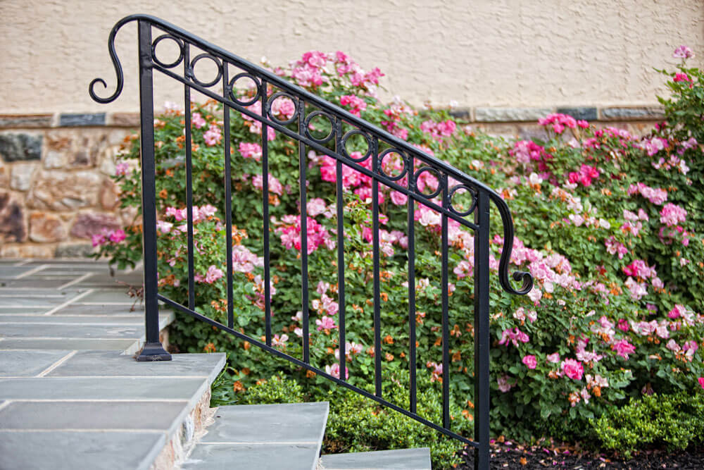 Custom Circle Railing Design