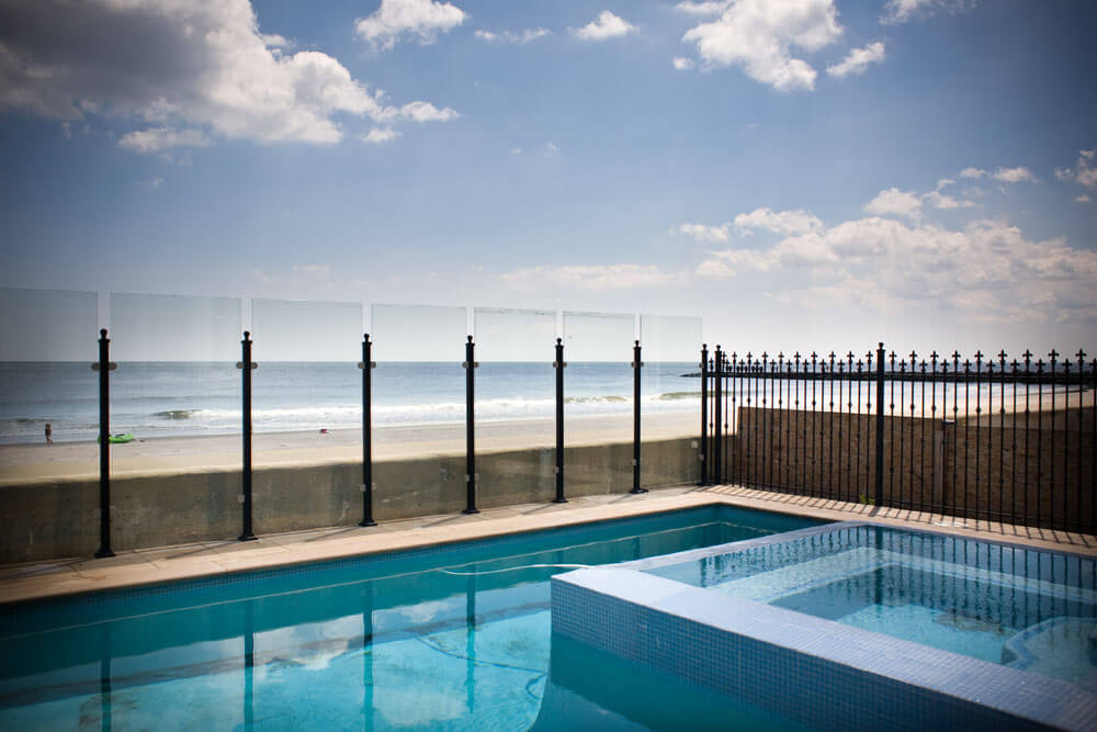 Pool Side Glass Fence with Strong Aluminum Posts