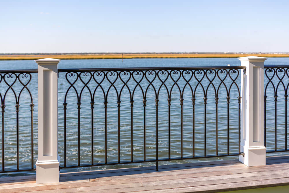 Water Front Aluminum Railing Design