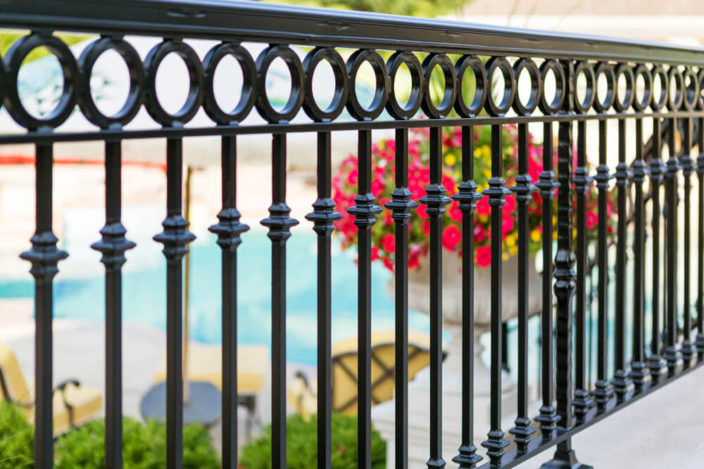 Circle and Double Knuckle Design Pool Railing